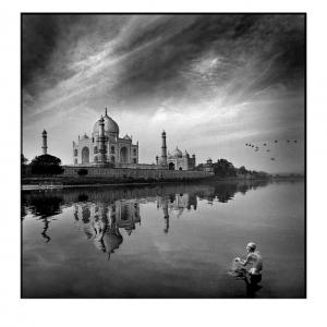 12.-Purificación-en-el-Taj-Mahal_LUIS-LEANDRO_SPAIN_FCF-BRONZED-MEDAL_382774